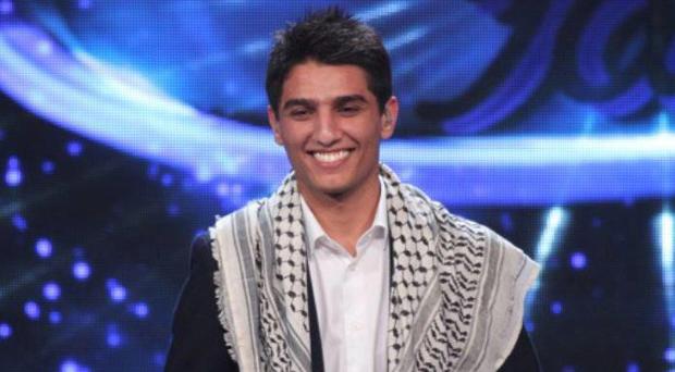 بالصورة: محمد عساف أيام الدراسة، ويعبّر عن إشتياقه لجمهوره