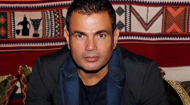 عمرو دياب يستشهد بالكتاب الكريم تعليقاً على الثورة