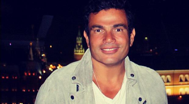عمرو دياب يغني في اليونان والعد العكسي للألبوم بدأ
