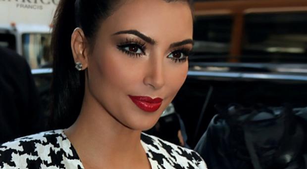 مليوني دولار ثمن أول صورة لابنة كيم كاردشيان