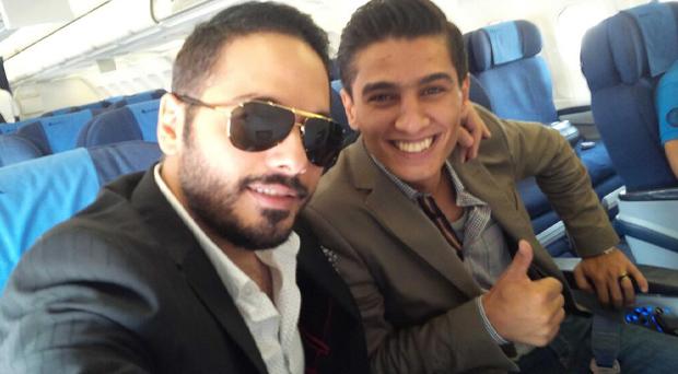 بالصور: محمد عساف برفقة البوب ستار رامي عياش في الطائرة