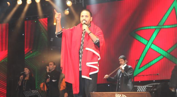 """أكثر من 160 ألف شخّص غنوا الـ""""هابي برثداي"""" للبوب ستار رامي عياش في مهرجان الجوهرة في المغرب"""