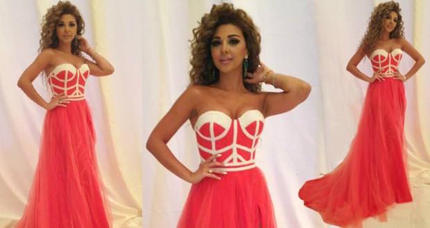 بالصور: ميريام فارس أحيت زفاف خاص في الكويت وتألقت كالفراشة بفستان زهري