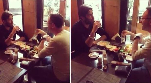 بالصور: وائل كفوري ومنير بو عساف يتناولان الغداء والجمهور بإنتظار الأعمال الجديدة
