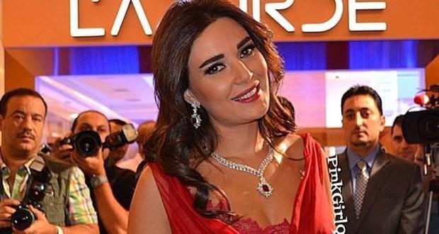 أولاً بالصور: سيرين عبد النور أشعت أناقةً في افتتاح متاجر L'azurde في الكويت