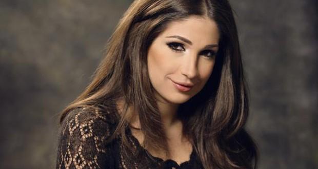 خاص: ديما صادق نجمة الـ LBCI بالأحمر وكل الألوان، ولمن كفّروها نقول: أصمتوا!