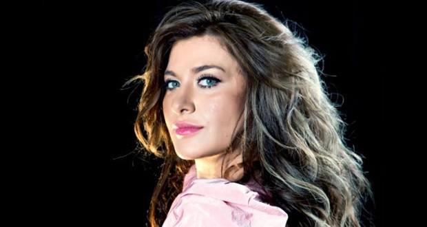 كارينا عيد: أنا مواطنة لبنانية، الدكتور جعجع أعجب بالأغنية وأنا أنتمي لمساره الوطني