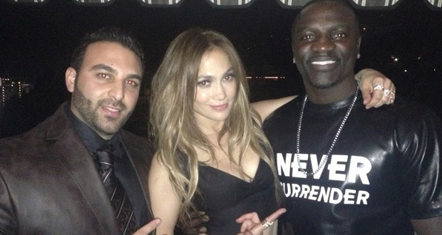 المخرج العالمي Tarik Freitekh يجمع Akon و JLo