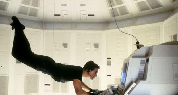 توم كروز في فيلم Mission Impossible 5