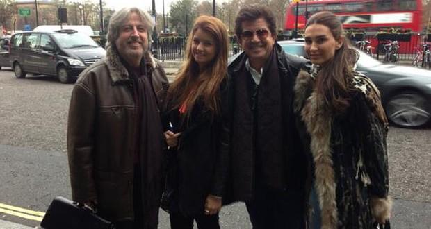 بالصورة: لأوّل مرّة نورهان إبنة وليد توفيق بينه وبين جمال فياض في لندن