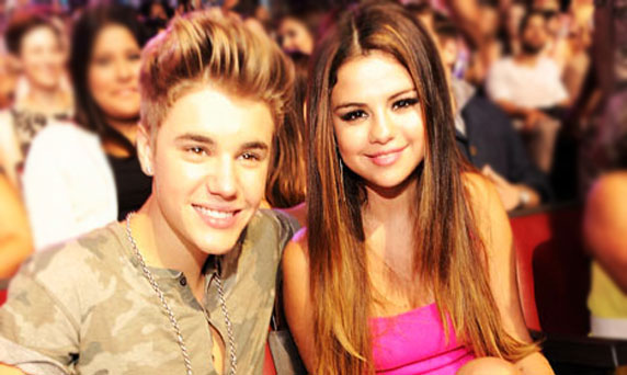 بالصورة: Justin Bieber مع Selena Gomez من جديد
