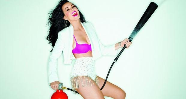 Katy Perry: فقدت عذريتي في سن الـ 16، أؤمن بالكائنات الفضائية، ولم أجري أيّ عملية تجميل