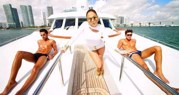"""بالفيديو: جينفر لوبيز تُظهر الرجال بطريقة مثيرة في كليب """"I Luh Ya Papi"""""""