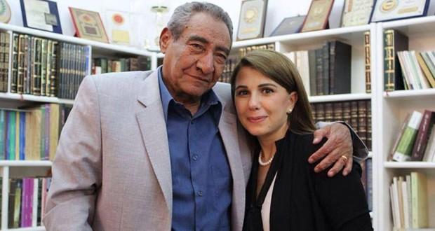 بالصور: السيدة ماجدة الرومي زارت عبد الرحمن الابنودي وهذا ما قدّمه لها