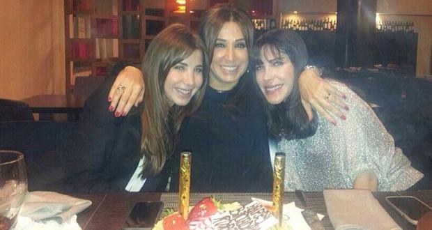 بالصورة: نانسي عجرم إحتفلت بعيد ميلاد والدتها وبهذه الكلمات عايدتها