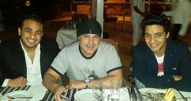 بالصورة: عاصي الحلاني وأحمد جمال على العشاء في شرم الشيخ