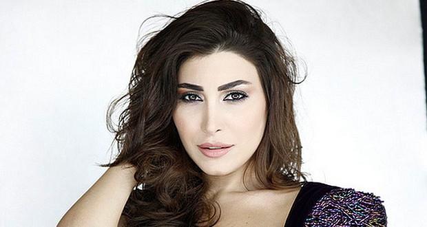 """يارا تستعد لجلسة تصويرية خاصة بغلاف ألبومها، وتصوّر فيديو كليب """"عايش بعيوني"""""""