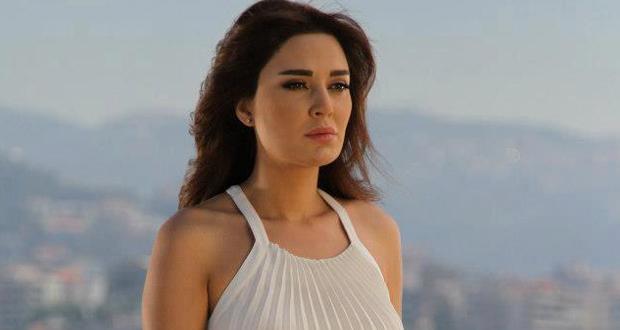 """محدّث: سيرين عبد النور طمأنت محبّيها على سلامتها بعد الكشف عن قنبلة في موقع """"سيرة حبّ"""""""