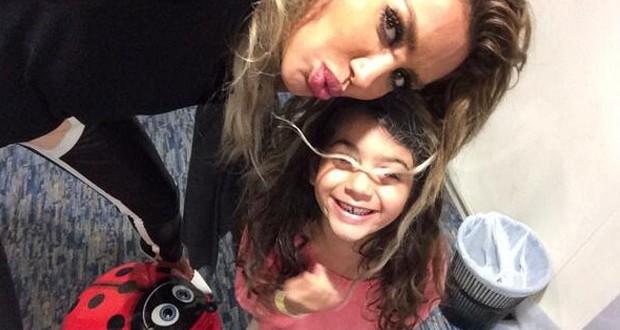 بالصور: مايا دياب مع أميرتها الصغيرة وترسل القبلات لجمهورها
