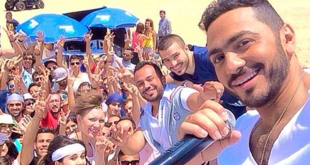 بالصورة: تامر حسني ينشر صورة Selfie مميّزة ويشعل مواقع التواصل الإجتماعي