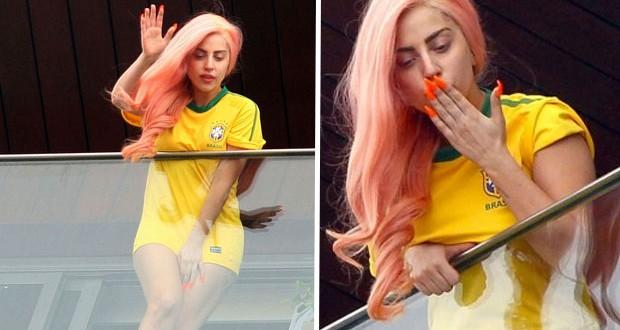 بالصور: Lady Gaga تشجّع البرازيل على طريقتها الخاصّة