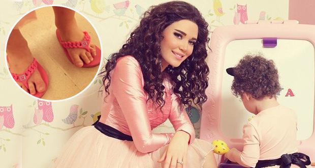 """بتجرد صورة: إبنة سيرين عبد النور تنتعل """"الشبشب"""" بأسلوب مضحك"""