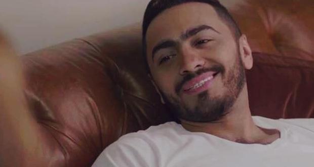 """تامر حسني يعود من الغيبوبة ويُصلح الأمور بين ريهام وسميح في """"فرق توقيت"""""""