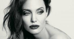 أنجلينا جولي تتحدّث عن معاناتها وتكشف حقائق صادمة عن حياتها