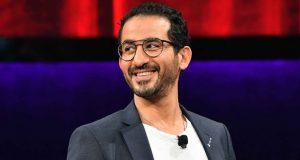 """بالصورة – أحمد حلمي يضحك متابعيه بزي """"بوليس كورونا"""""""