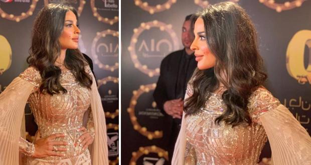 """نادين نسيب نجيم تفوز بجائزة """"أفضل ممثلة عربية"""" وترفع اسم لبنان عاليًا"""