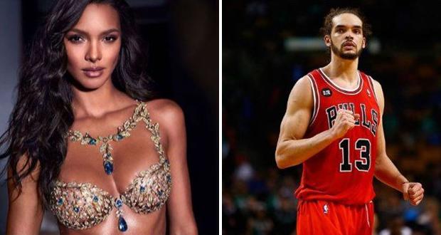 """نجم الـ NBA يفاجئ حسناء فيكتوريا سيكريت بطلب الزواج في """"مكانها المفضّل"""""""