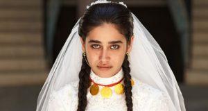 الممثلة التركية ميرال أوغلو تتزوّج رجلًا يبلغ 80 عامًا!