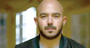 محمود العسيلي يحتفل بالذكرى الأولى لزواجه ويحذف الصورة