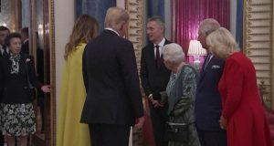 الأميرة آن تضع والدتها الملكة اليزابيث بموقف حرج أمام دونالد ترامب