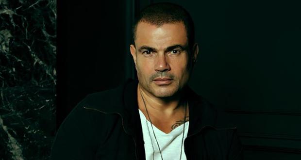 مؤلف أفلام يشن هجومًا على عمرو دياب