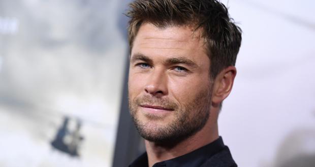 """""""مفاجأة """"مارفل"""".. كريس هيمسورث يخطف """"Thor"""" من فنان بريطاني"""