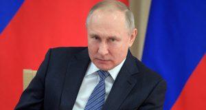 بوتين يسخر من رفع علم المثليين على مبنى السفارة الأميركية