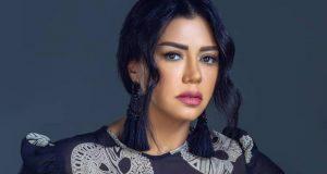 رانيا يوسف تواصل حملتها ضد التحرش بفيديو لفنانات بالبكيني