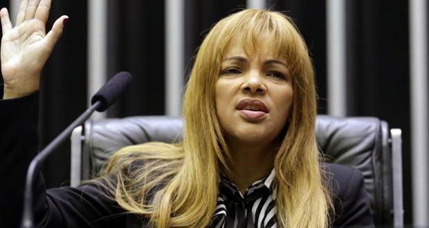 اتهام برلمانية برازيلية بقتل زوجها.. 30 رصاصة اخترقت جسده