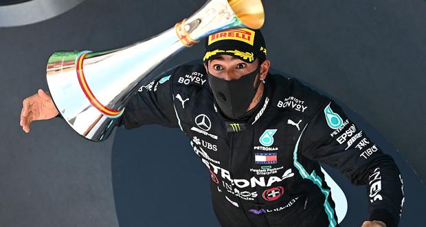 لويس هاميلتون يفوز في سباق إسبانيا