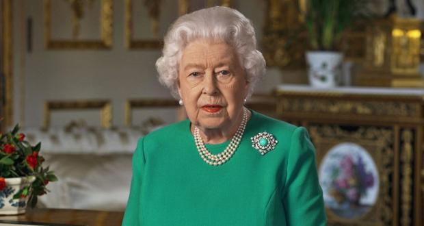 الملكة إليزابيث ترفض العودة إلى قصر باكنغهام