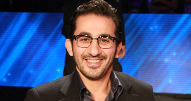 """بالفيديو – """"خناقة"""" بين أحمد حلمي وكيس ملاكمة"""