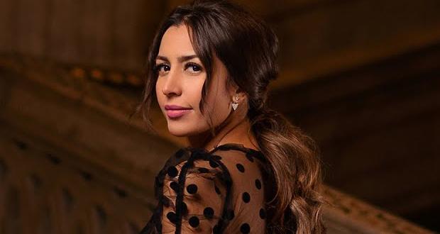 """جنات تحتفل مع جمهورها بنجاح ألبوم """"أنا في إنتظارك"""""""