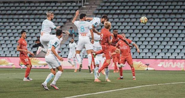 علم لبنان على قمصان نادي مارسيليا الفرنسي