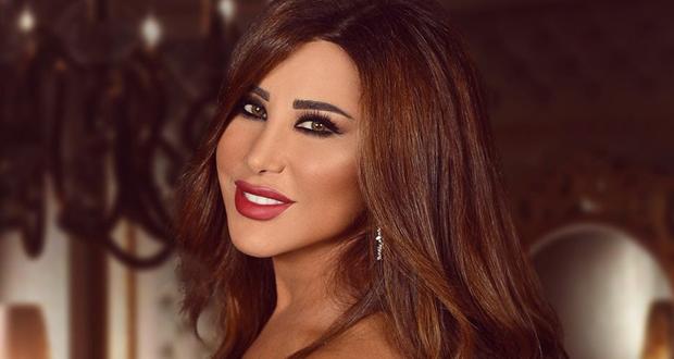 على وقع الزفة اللبنانية.. نجوى كرم تصل إلى دبي استعدادًا لحفلها المنتظر