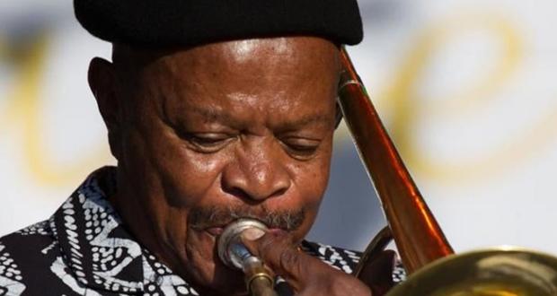 """جنوب أفريقيا تودّع جوناس غوانغوا.. """"عملاق من حركتنا الثقافية الثورية"""""""