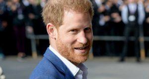 هل يبالغ الأمير هاري في حديثه عن قدرات ابنه؟