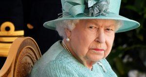 الملكة إليزابيث في عطلتها الصيفية الأولى من دون زوجها الأمير فيليب