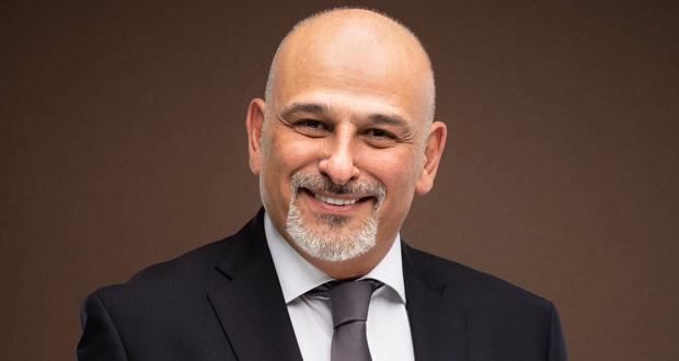 """جمال سليمان يكشف حقيقة استنساخ """"الطاووس"""" من """"ضد الحكومة"""" لأحمد زكي"""