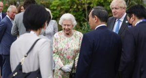 كبار أفراد العائلة المالكة البريطانية يلتقون معًا في استقبال قمة مجموعة G7
